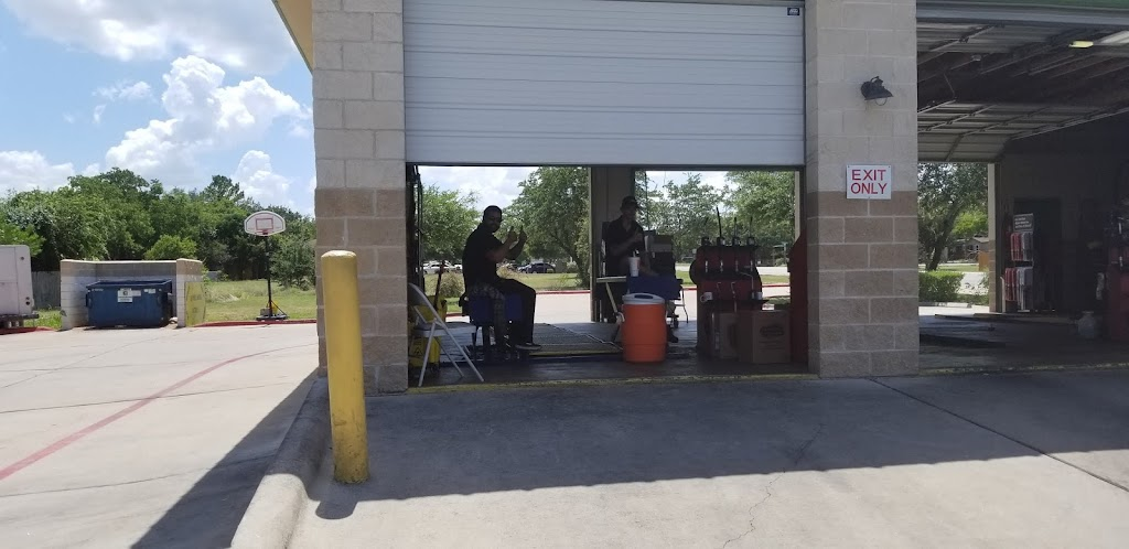 Castrol Premium Lube Express - car repair  | Photo 7 of 10 | Address: CPLE, 400 Crystal Falls Pkwy STORE # 1566, Leander, TX 78641, USA | Phone: (512) 528-1514