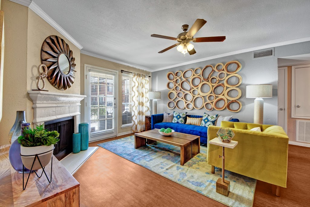The Oaks at Valley Ranch Apartments - real estate agency    Photo 5 of 10   Address: 9519 Valley Ranch Pkwy E, Irving, TX 75063, USA   Phone: (972) 893-3092