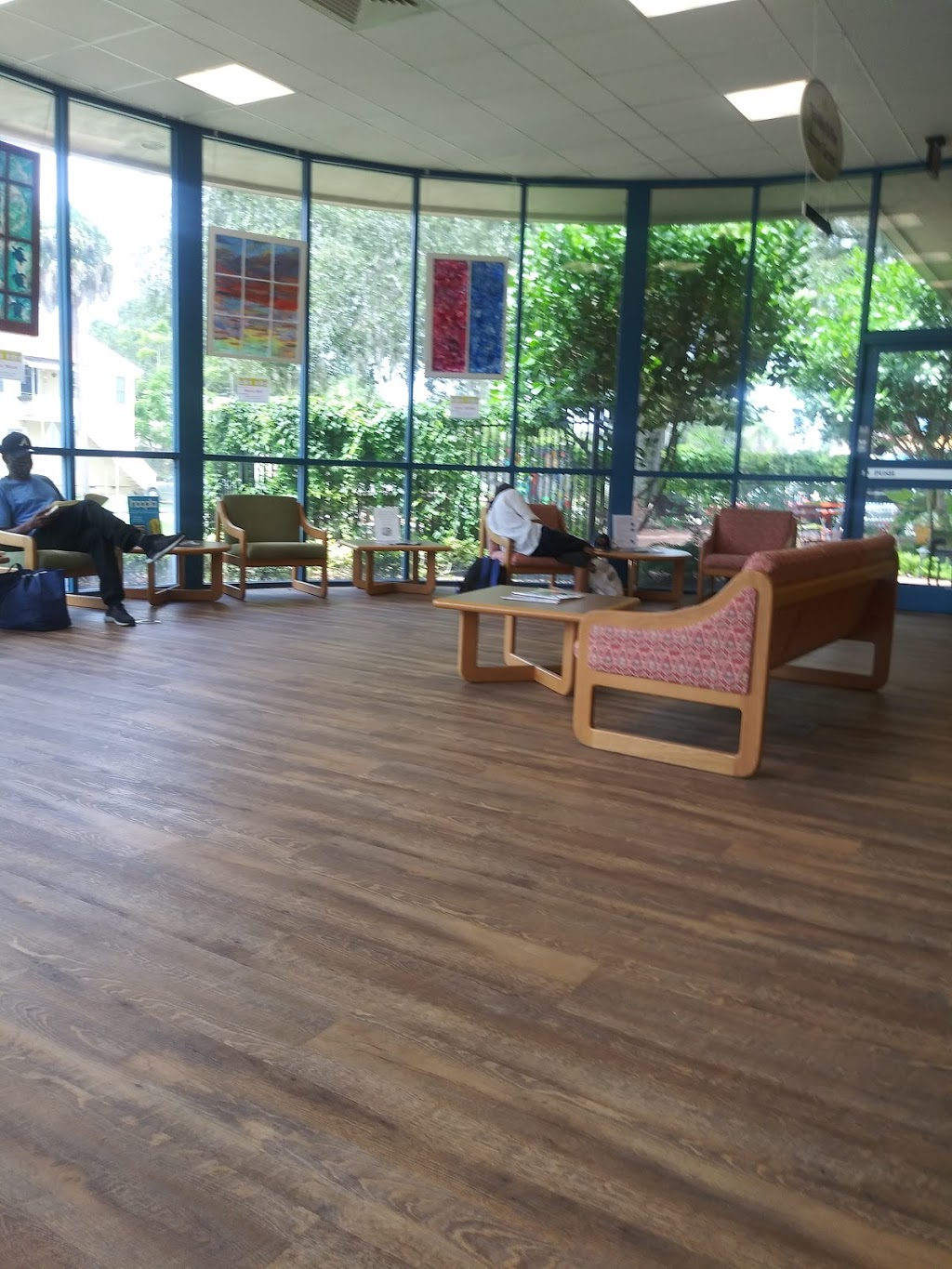 Gulfport Public Library - library    Photo 10 of 10   Address: 5501 28th Ave S, Gulfport, FL 33707, USA   Phone: (727) 893-1074