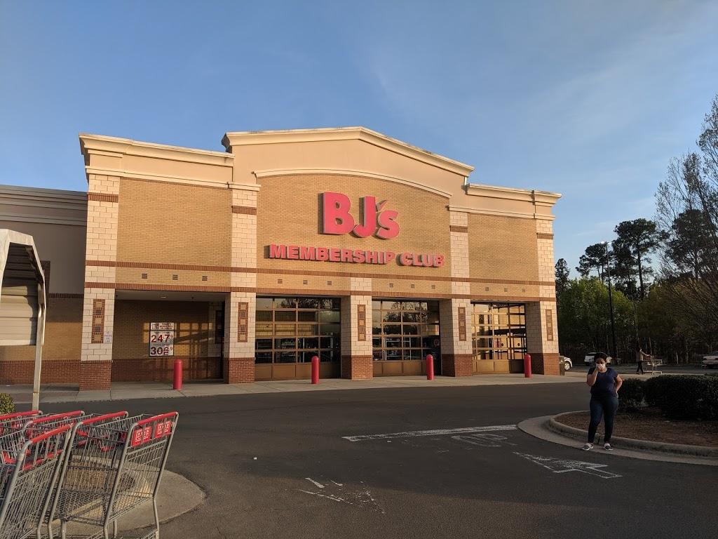 BJs Wholesale Club - gas station  | Photo 1 of 10 | Address: 8811 Brier Creek Pkwy, Raleigh, NC 27617, USA | Phone: (919) 806-5000