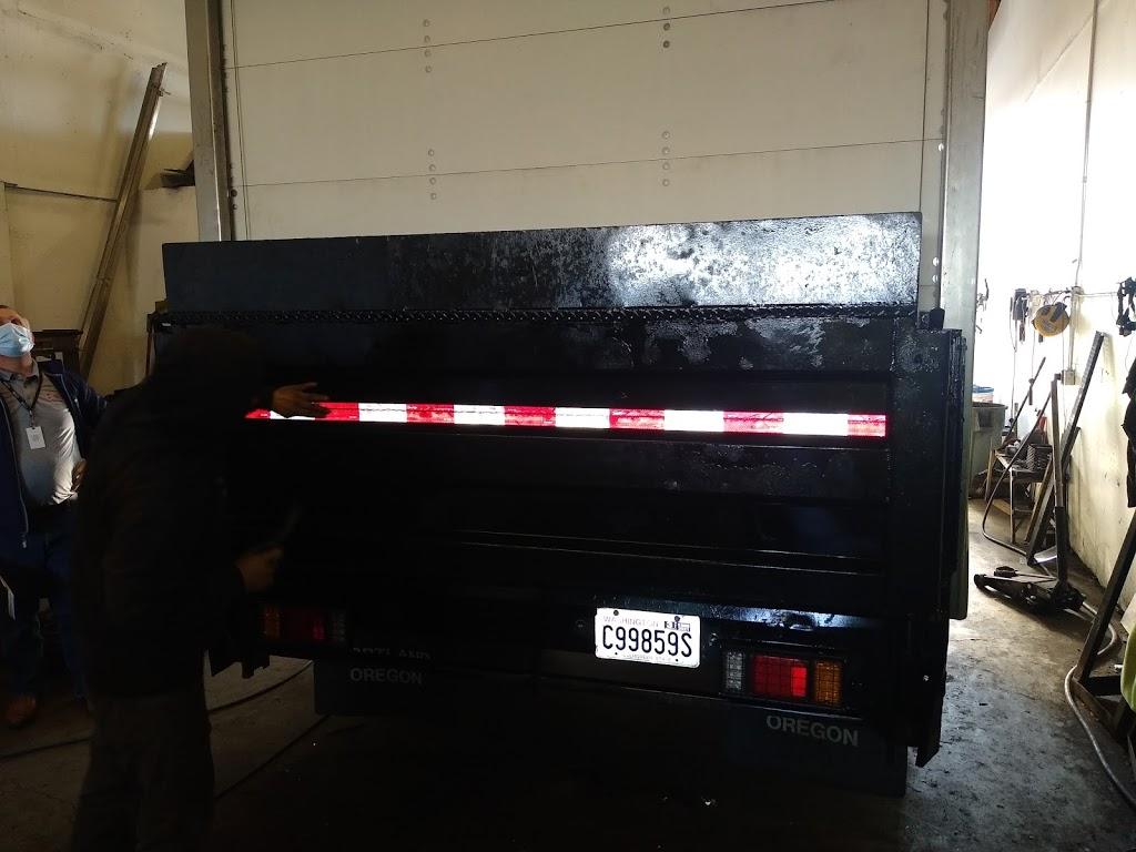Superior Wash - Mobile Fleet Washing - car repair    Photo 2 of 5   Address: 3210 C St NE, Auburn, WA 98002, USA   Phone: (253) 329-2538