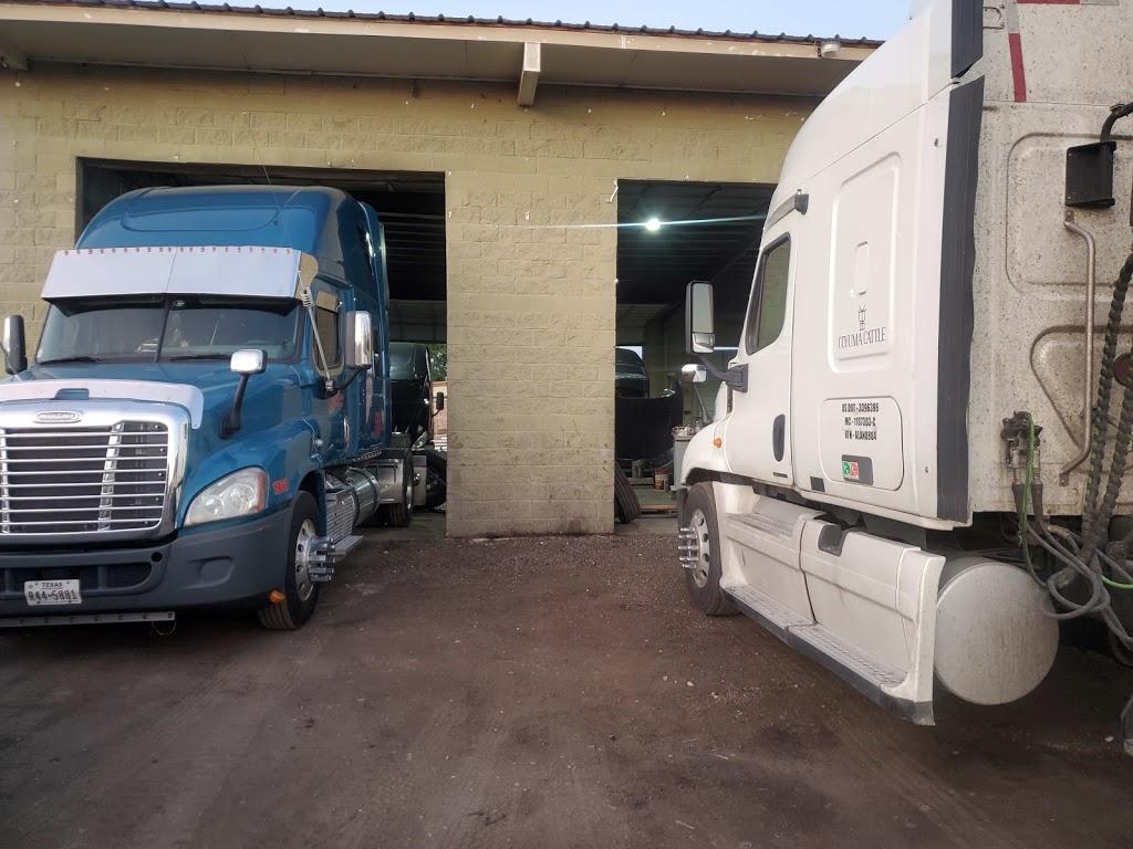 Saucedos Truck Repair - car repair  | Photo 9 of 10 | Address: 700 Peyton Rd building A, El Paso, TX 79928, USA | Phone: (915) 315-9624