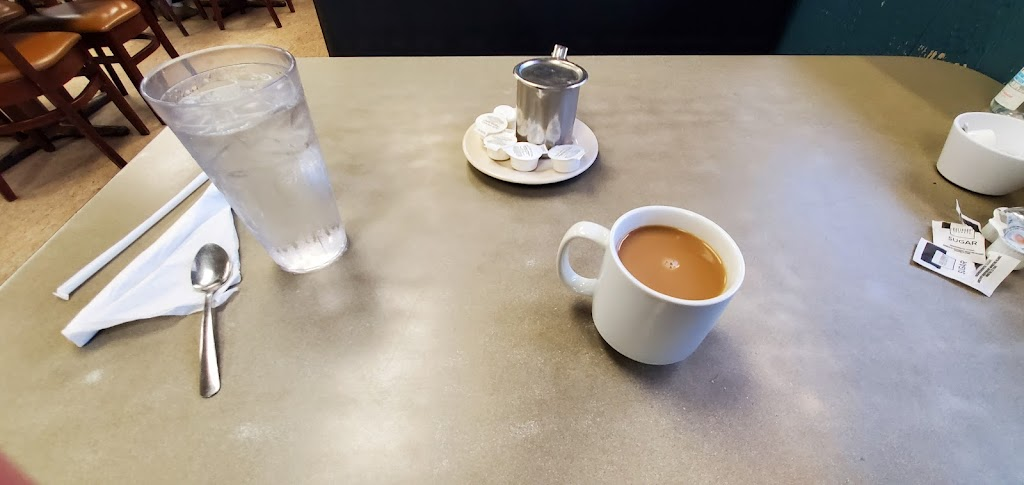 Englewood Cafe - cafe  | Photo 10 of 10 | Address: 10904 E Winner Rd, Independence, MO 64052, USA | Phone: (816) 461-9588