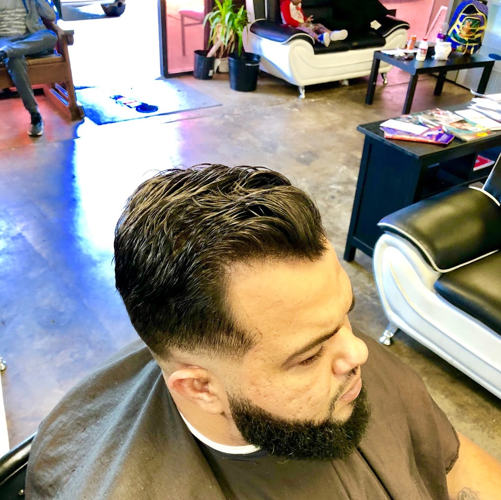 Full Fledge Barber & Beauty Salon - hair care  | Photo 6 of 10 | Address: 3400 S Watson Rd #106, Arlington, TX 76014, USA | Phone: (972) 639-2258