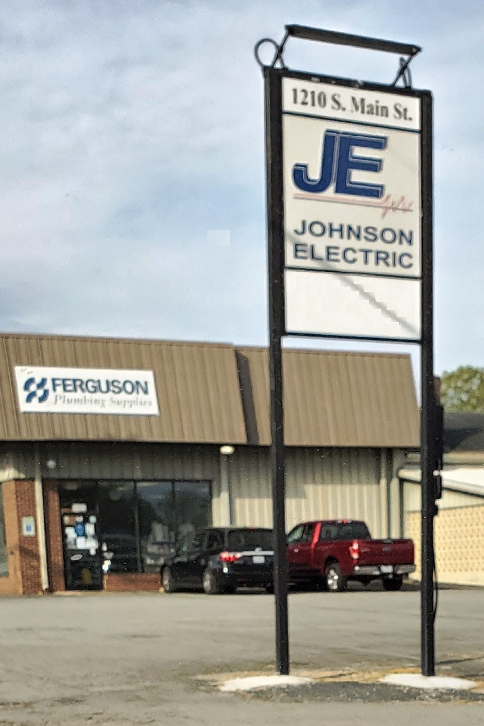 Johnson Electric - electrician  | Photo 2 of 2 | Address: 1210 S Main St A, Lexington, NC 27292, USA | Phone: (336) 248-8331