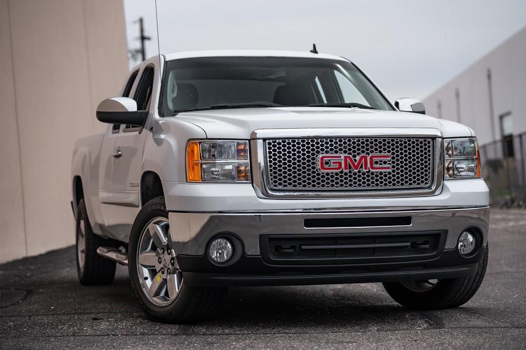 Gas Motorsports llc - car dealer    Photo 8 of 10   Address: 2800 E Van Buren St, Phoenix, AZ 85008, USA   Phone: (602) 621-1113