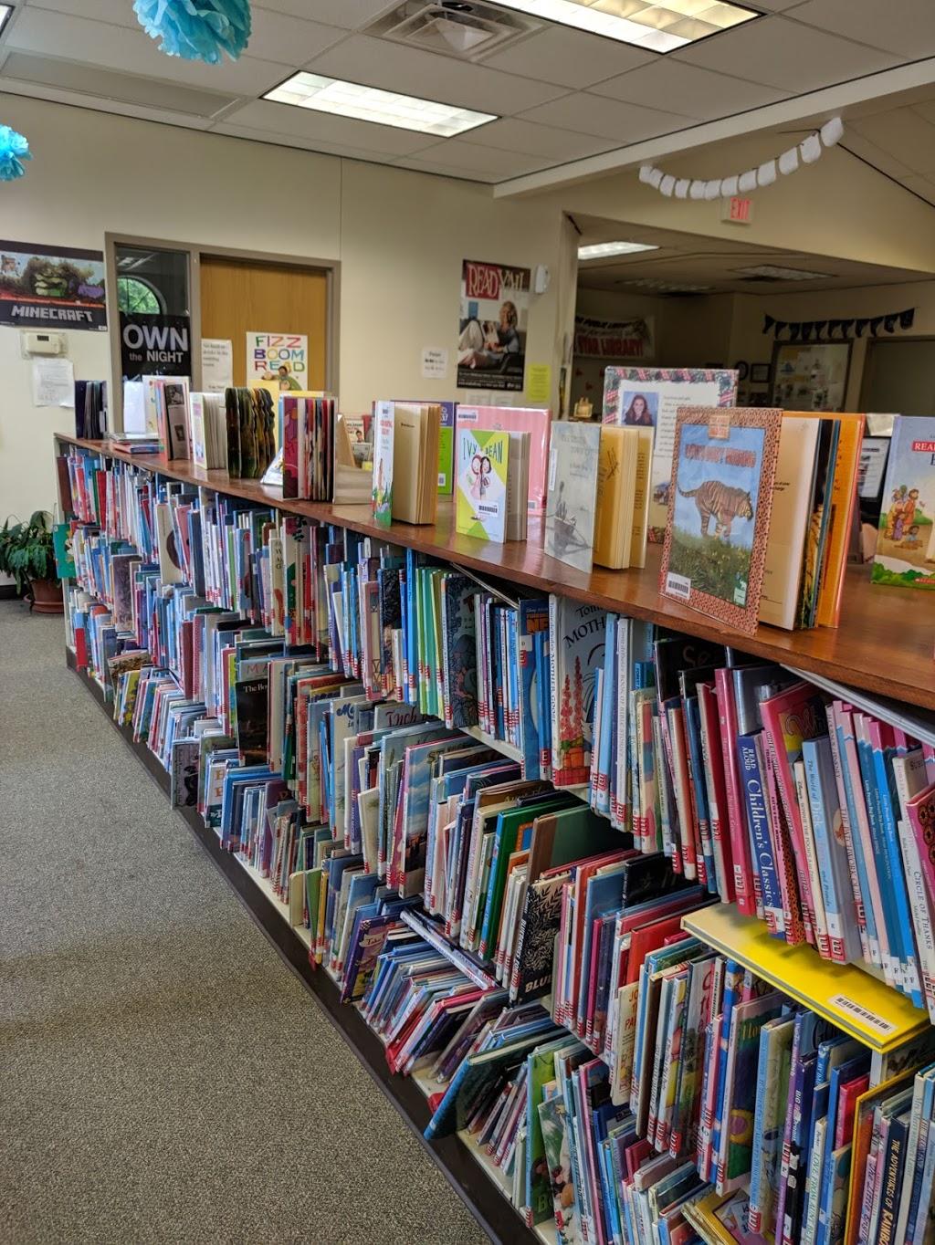Mounds City Public Library - library  | Photo 1 of 3 | Address: 14 14th St, Mounds, OK 74047, USA | Phone: (918) 827-3949