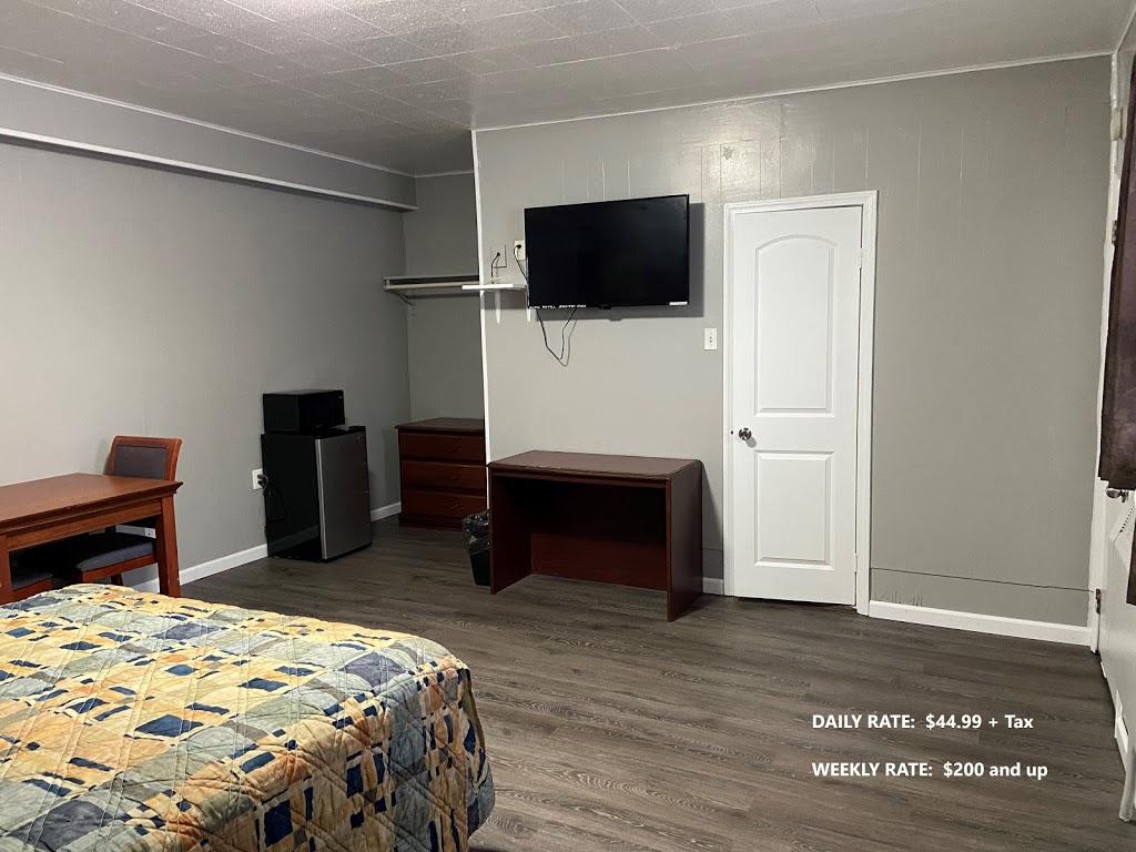 Ruth Motel - lodging  | Photo 5 of 6 | Address: 35425 Jefferson Ave, Harrison Charter Township, MI 48045, USA | Phone: (586) 791-2300