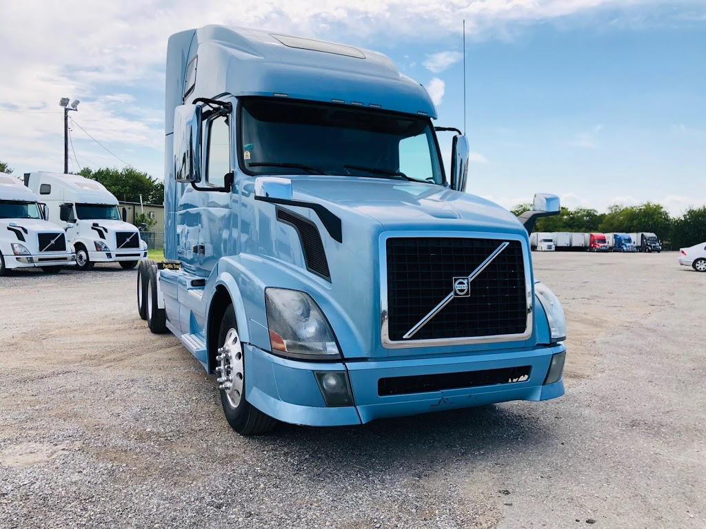 Pacific Truck Sales, LLC - store  | Photo 6 of 8 | Address: 2900 E Loop 820 S, Fort Worth, TX 76119, USA | Phone: (972) 790-6297