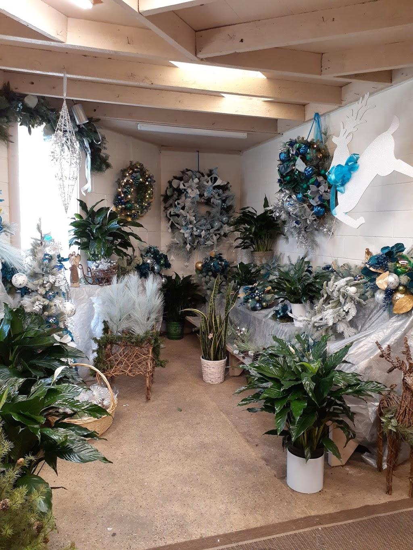 Pollards Florist - florist  | Photo 5 of 10 | Address: 609 Harpersville Rd, Newport News, VA 23601, USA | Phone: (757) 595-7661