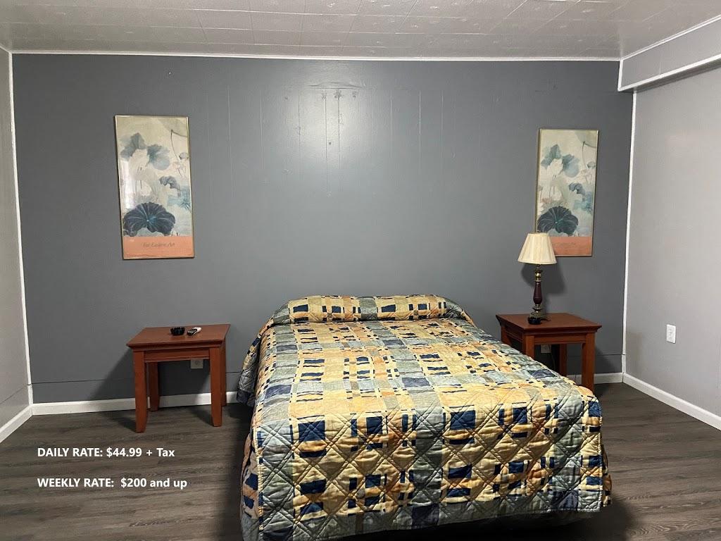 Ruth Motel - lodging  | Photo 1 of 6 | Address: 35425 Jefferson Ave, Harrison Charter Township, MI 48045, USA | Phone: (586) 791-2300