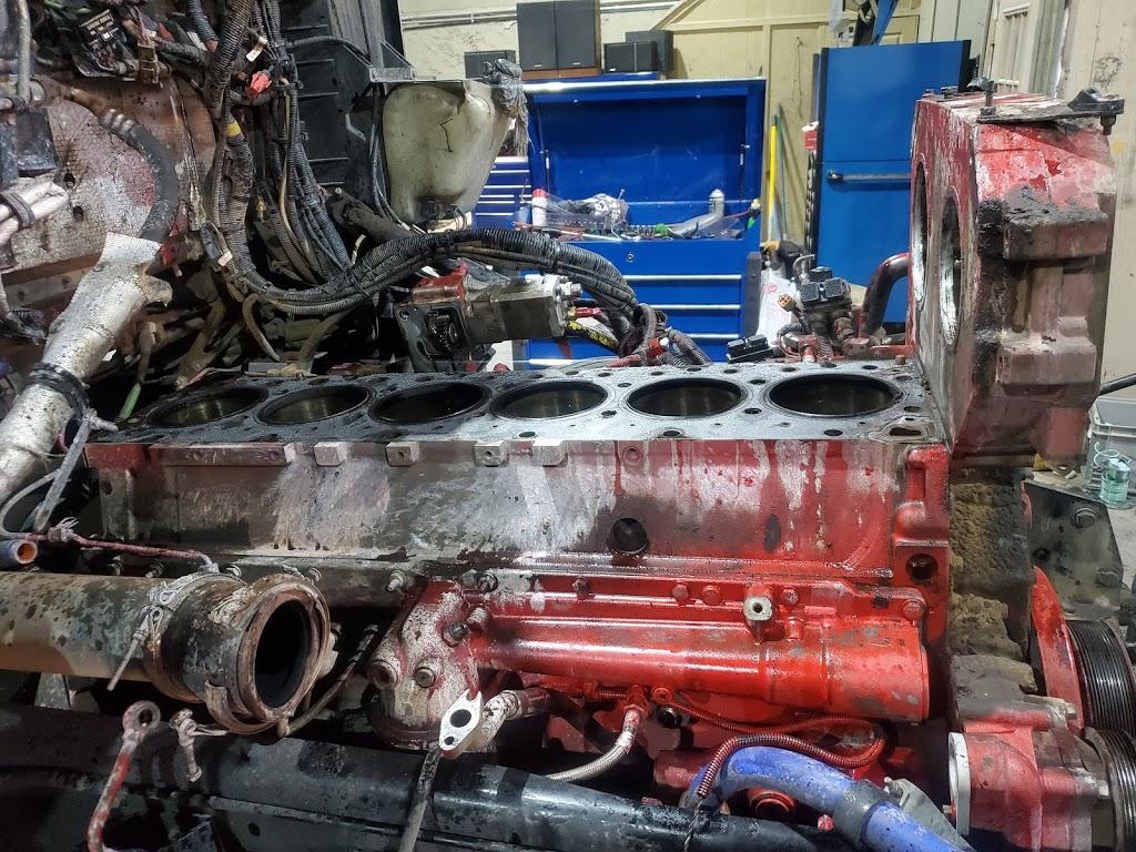 Saucedos Truck Repair - car repair  | Photo 6 of 10 | Address: 700 Peyton Rd building A, El Paso, TX 79928, USA | Phone: (915) 315-9624