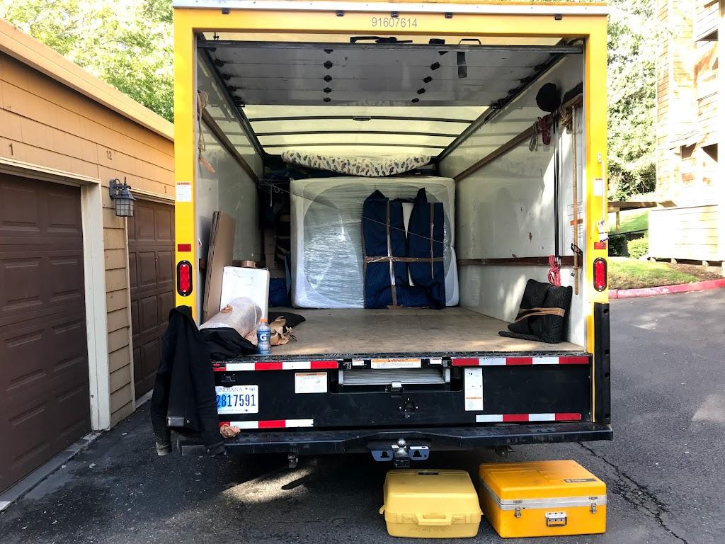 Caseys Movers LLC - moving company  | Photo 3 of 10 | Address: 5932 SE Equestrian Dr, Portland, OR 97236, USA | Phone: (971) 247-1556