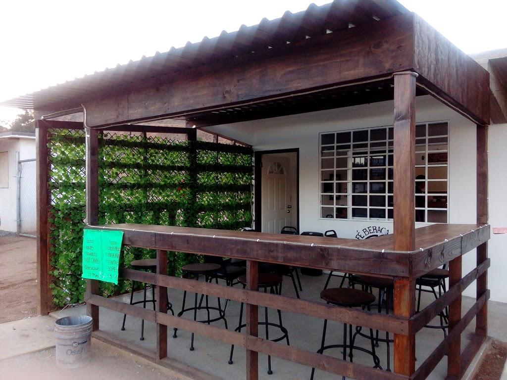 Beraca 2000 Restaurant & Café - restaurant    Photo 5 of 10   Address: Corredor Tijuana - Rosarito 2000 Km. 20 Rumbo a Popótla, Corredor Tijuana - Rosarito 2000, 22163 Baja California, Mexico   Phone: 664 726 8580