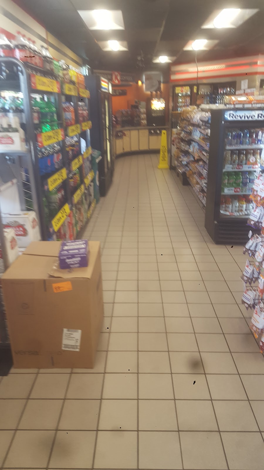 Circle K - convenience store    Photo 4 of 5   Address: 7202 W Knights Griffin Rd, Plant City, FL 33565, USA   Phone: (813) 986-5730