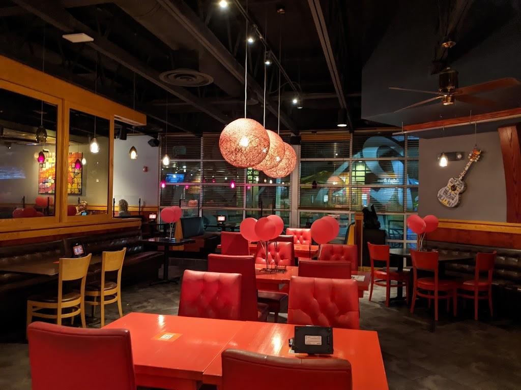 Red Robin Gourmet Burgers and Brews - restaurant  | Photo 7 of 10 | Address: 2501 W Happy Valley Rd Ste 10, Phoenix, AZ 85085, USA | Phone: (623) 581-8635