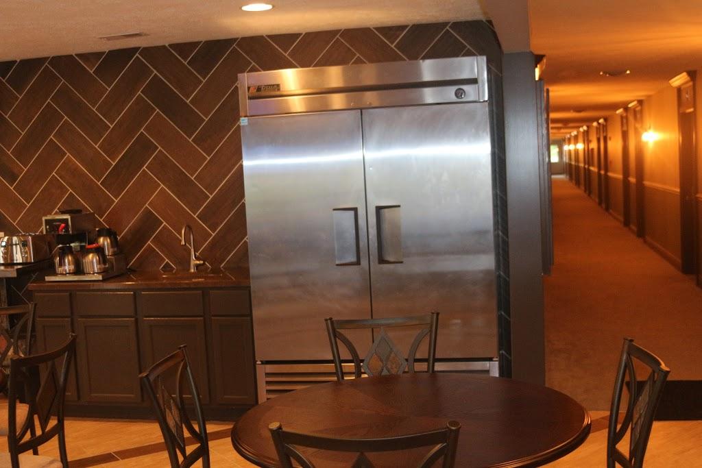 Inn Glenwood, LLC d/b/a/ HOTEL ARTHUR - lodging    Photo 9 of 10   Address: 707 S Locust St, Glenwood, IA 51534, USA   Phone: (712) 527-3175