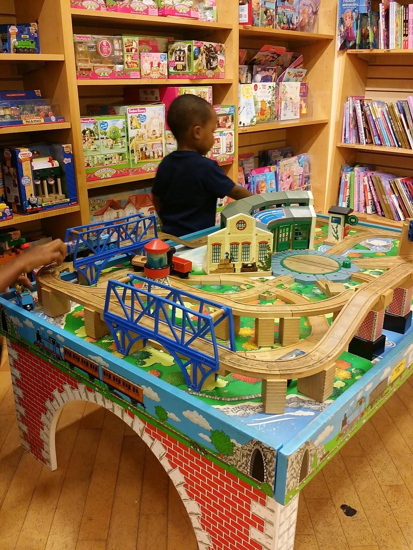 Barnes & Noble - book store    Photo 4 of 10   Address: Patton Creek Shopping Center, 171 Main St, Hoover, AL 35244, USA   Phone: (205) 682-4467