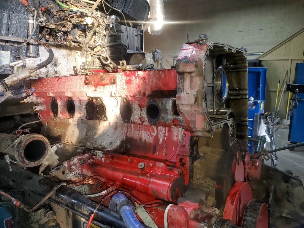 Saucedos Truck Repair - car repair  | Photo 5 of 10 | Address: 700 Peyton Rd building A, El Paso, TX 79928, USA | Phone: (915) 315-9624