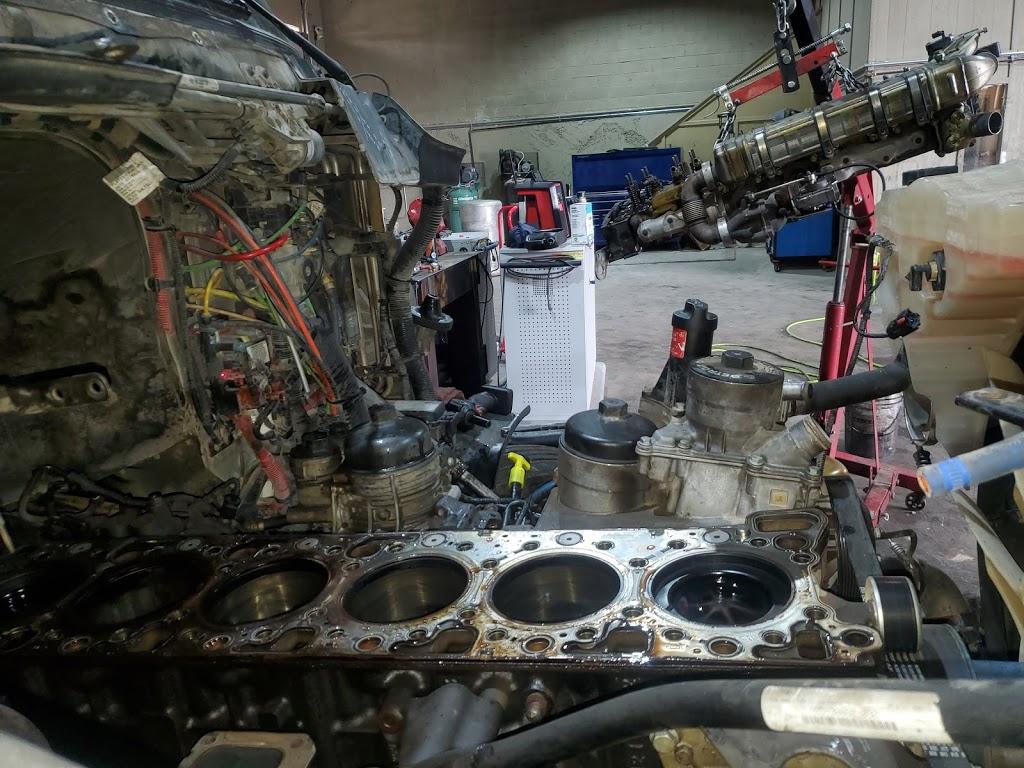 Saucedos Truck Repair - car repair  | Photo 7 of 10 | Address: 700 Peyton Rd building A, El Paso, TX 79928, USA | Phone: (915) 315-9624