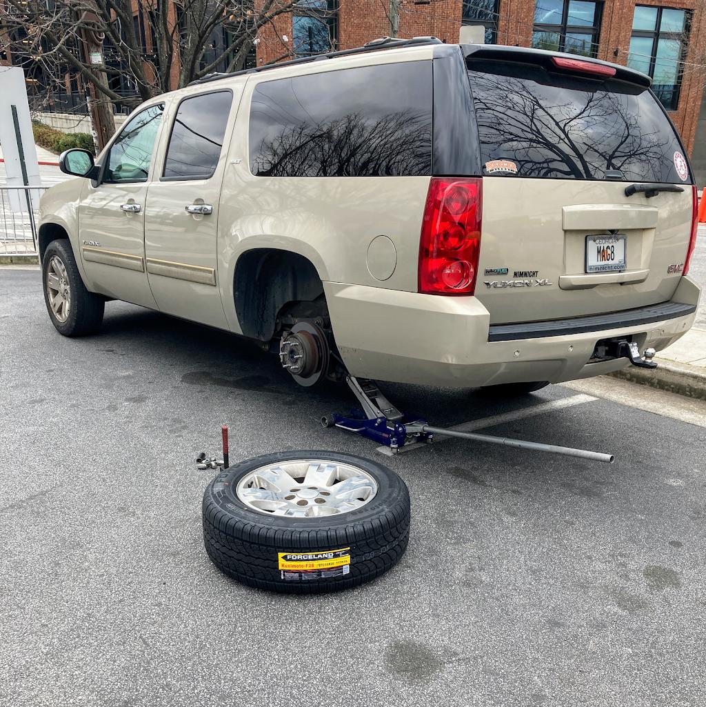 Tire & Ride Mobile - car repair    Photo 3 of 5   Address: 1192 Pryor Rd SW Suite D, Atlanta, GA 30315, USA   Phone: (404) 749-0918