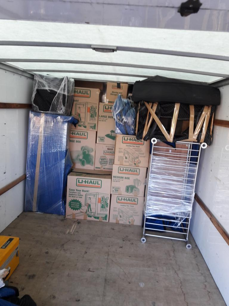 Caseys Movers LLC - moving company  | Photo 1 of 10 | Address: 5932 SE Equestrian Dr, Portland, OR 97236, USA | Phone: (971) 247-1556
