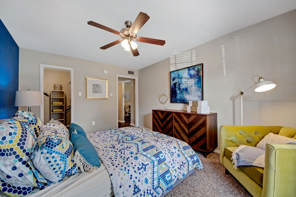 The Oaks at Valley Ranch Apartments - real estate agency    Photo 7 of 10   Address: 9519 Valley Ranch Pkwy E, Irving, TX 75063, USA   Phone: (972) 893-3092