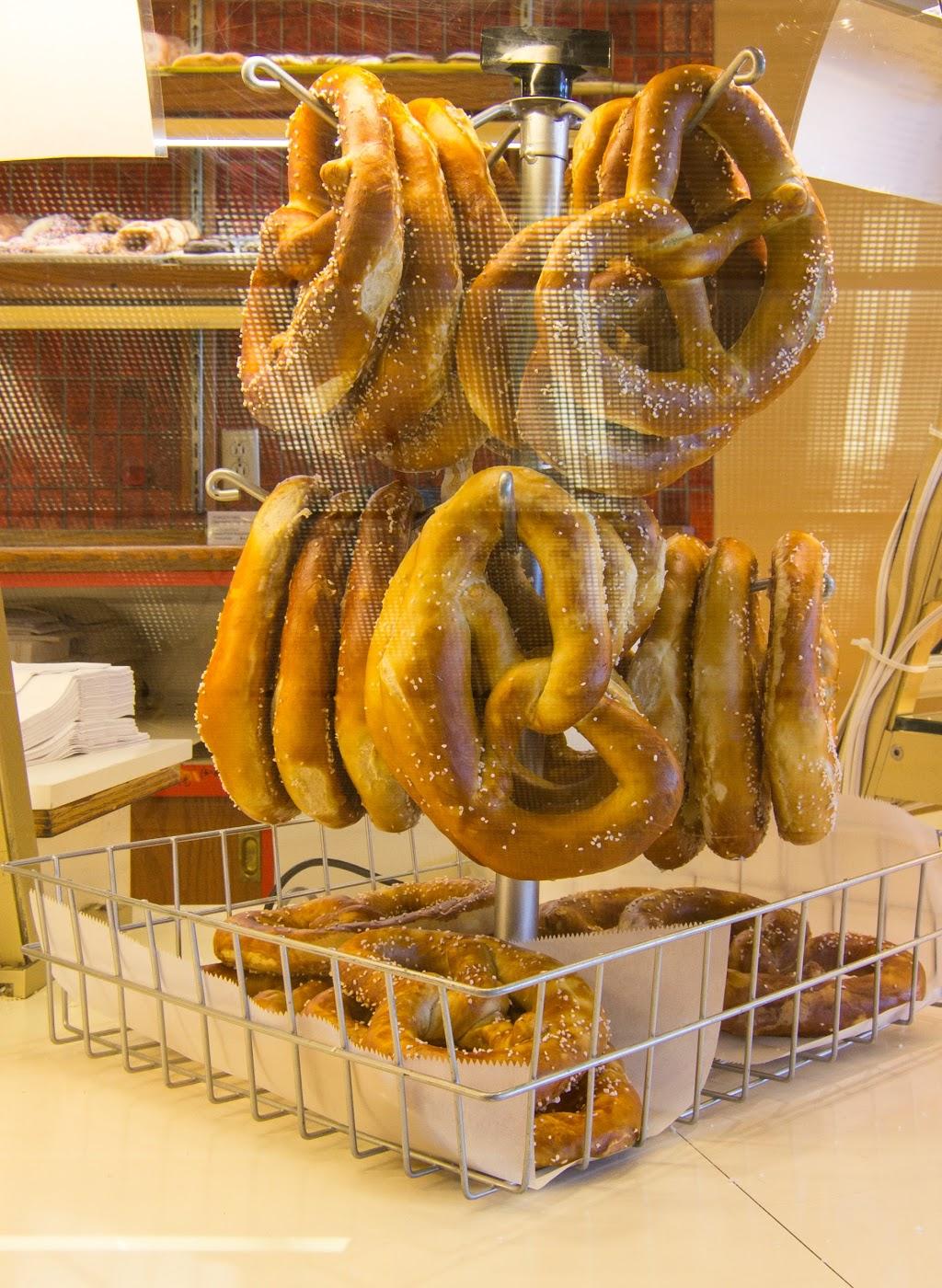Servatii Pastry Shop Blue Ash - bakery    Photo 9 of 10   Address: 9525 Kenwood Rd, Cincinnati, OH 45242, USA   Phone: (513) 791-3013
