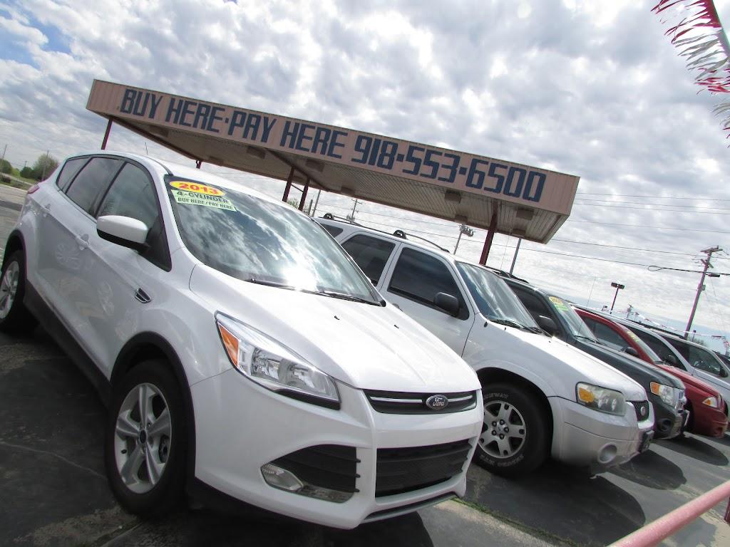 Ultimate Auto Finance - car dealer  | Photo 4 of 10 | Address: 11639 N Garnett Rd, Collinsville, OK 74021, USA | Phone: (918) 553-6500
