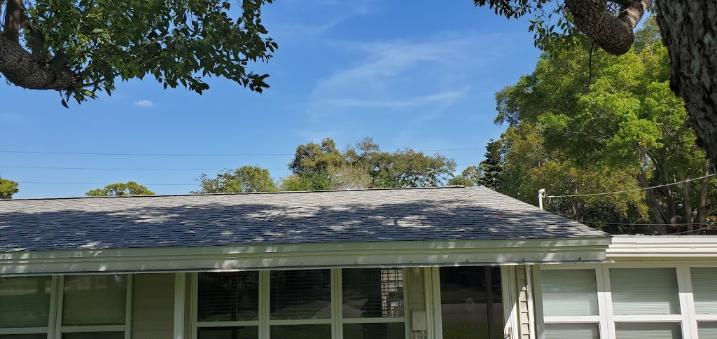 Alvarez Roofing Services - roofing contractor    Photo 4 of 10   Address: 13101 Automobile Blvd, Clearwater, FL 33762, USA   Phone: (727) 235-1378