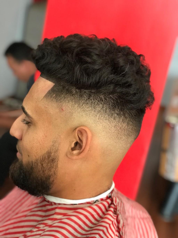 The Kings Barbershop/Salon - hair care    Photo 10 of 10   Address: 993 NE 135th St, North Miami, FL 33161, USA   Phone: (786) 400-4119