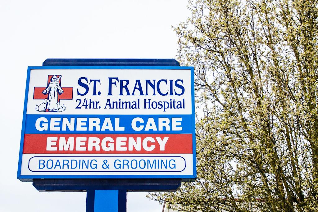 St. Francis Animal Hospital - pharmacy  | Photo 4 of 10 | Address: 12010 NE 65th St, Vancouver, WA 98682, USA | Phone: (360) 253-5446