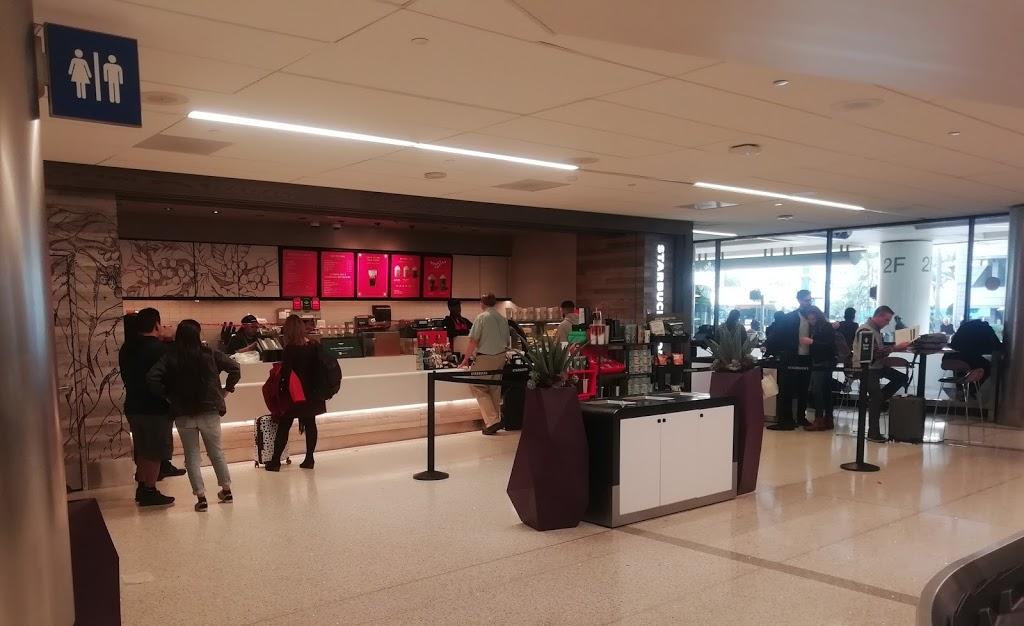 Starbucks - cafe  | Photo 8 of 10 | Address: 1 World Way LAX T4-Baggage Claim, Los Angeles, CA 90045, USA | Phone: (310) 665-9445