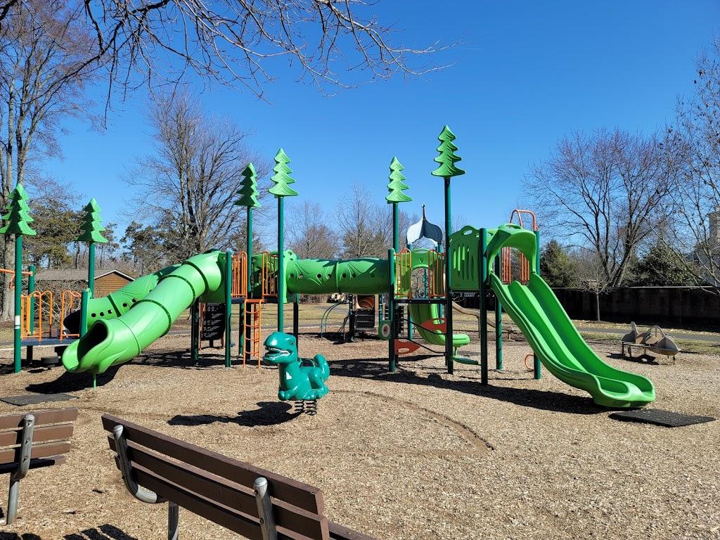 Weller Park - park    Photo 2 of 10   Address: 10021 Weller Rd, Montgomery, OH 45249, USA   Phone: (513) 891-2424