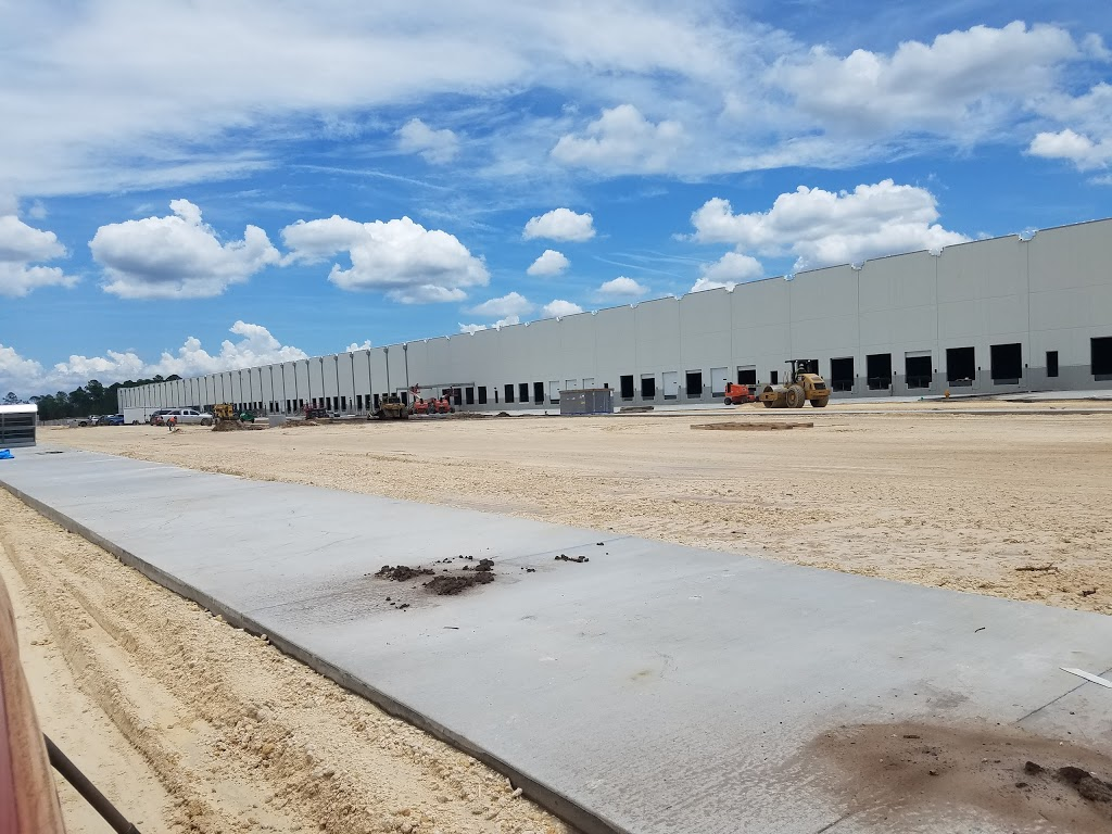 Amazon Fulfilment Center - storage  | Photo 5 of 10 | Address: 32210, 13333 103rd St, Jacksonville, FL 32221, USA | Phone: (855) 440-7663