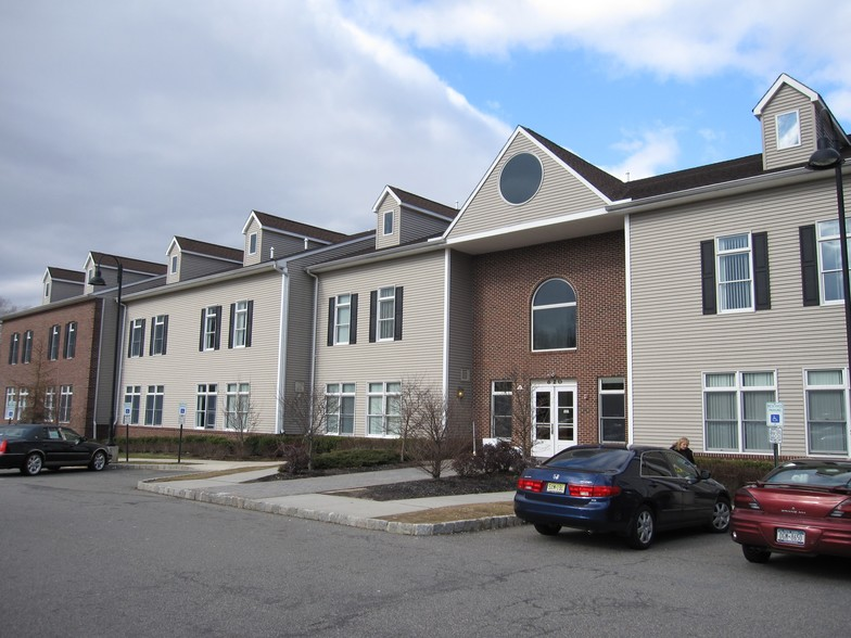 Podiatrist East Brunswick NJ Dr. Raginsky DPM - hospital    Photo 1 of 4   Address: 754 Route 18 North, Ste. 107, East Brunswick, NJ 08816, USA   Phone: (800) 915-5560