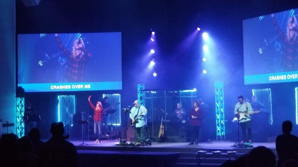 Christs Church - church    Photo 3 of 10   Address: 3131 Maplecrest Rd, Fort Wayne, IN 46815, USA   Phone: (260) 485-1611