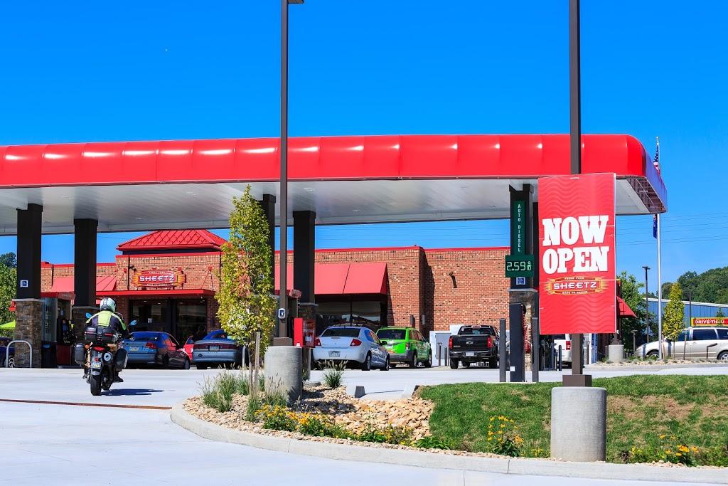 Sheetz - convenience store  | Photo 3 of 10 | Address: 211 Mt Nebo Rd, Pittsburgh, PA 15237, USA | Phone: (412) 630-8423