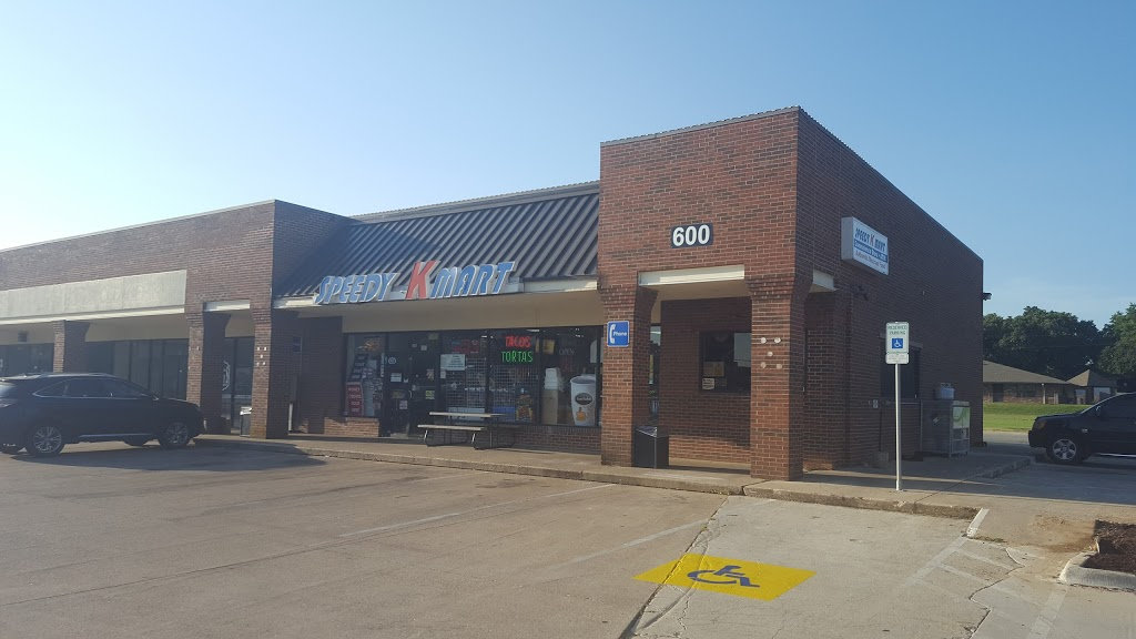 Speedy K Mart - convenience store  | Photo 3 of 8 | Address: 600 E Sandy Lake Rd #100, Coppell, TX 75019, USA | Phone: (972) 745-7000