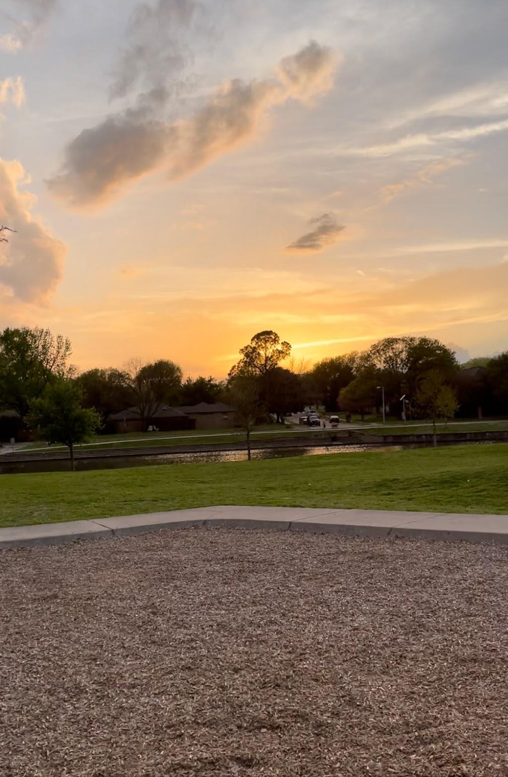 Big Lake Park - park  | Photo 4 of 10 | Address: 3800 Rainier Rd, Plano, TX 75023, USA | Phone: (972) 941-7250
