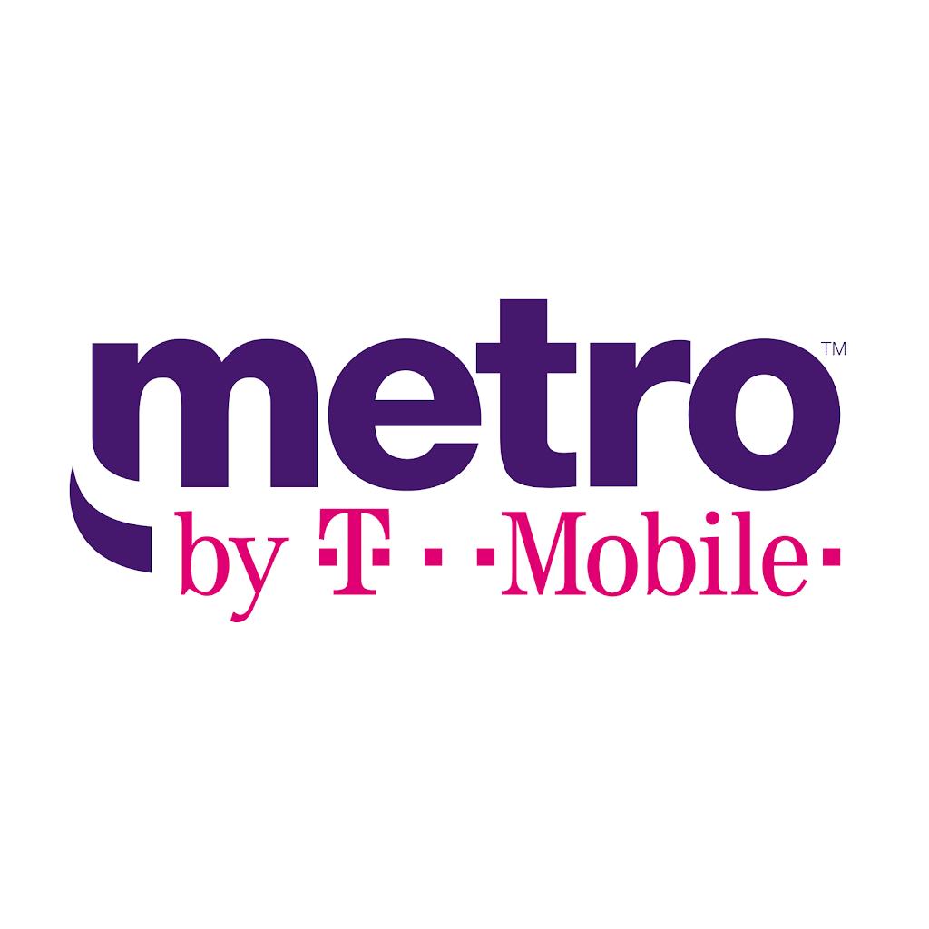 Metro by T-Mobile - electronics store  | Photo 3 of 3 | Address: 20222 W Warren Ave, Detroit, MI 48228, USA | Phone: (313) 593-1510