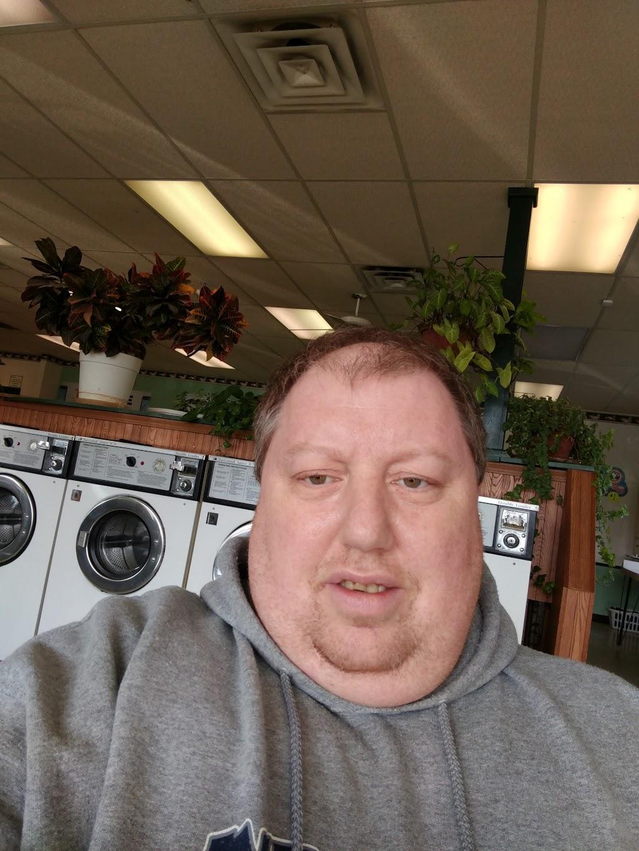 Major Kleen Laundromat - laundry    Photo 5 of 7   Address: 4044 Airport Hwy, Toledo, OH 43615, USA   Phone: (419) 381-0617