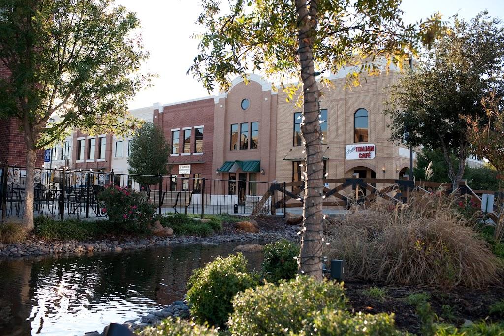 Bartonville Town Center - shopping mall  | Photo 7 of 10 | Address: 2650 FM 407, Bartonville, TX 76226, USA | Phone: (940) 241-3030