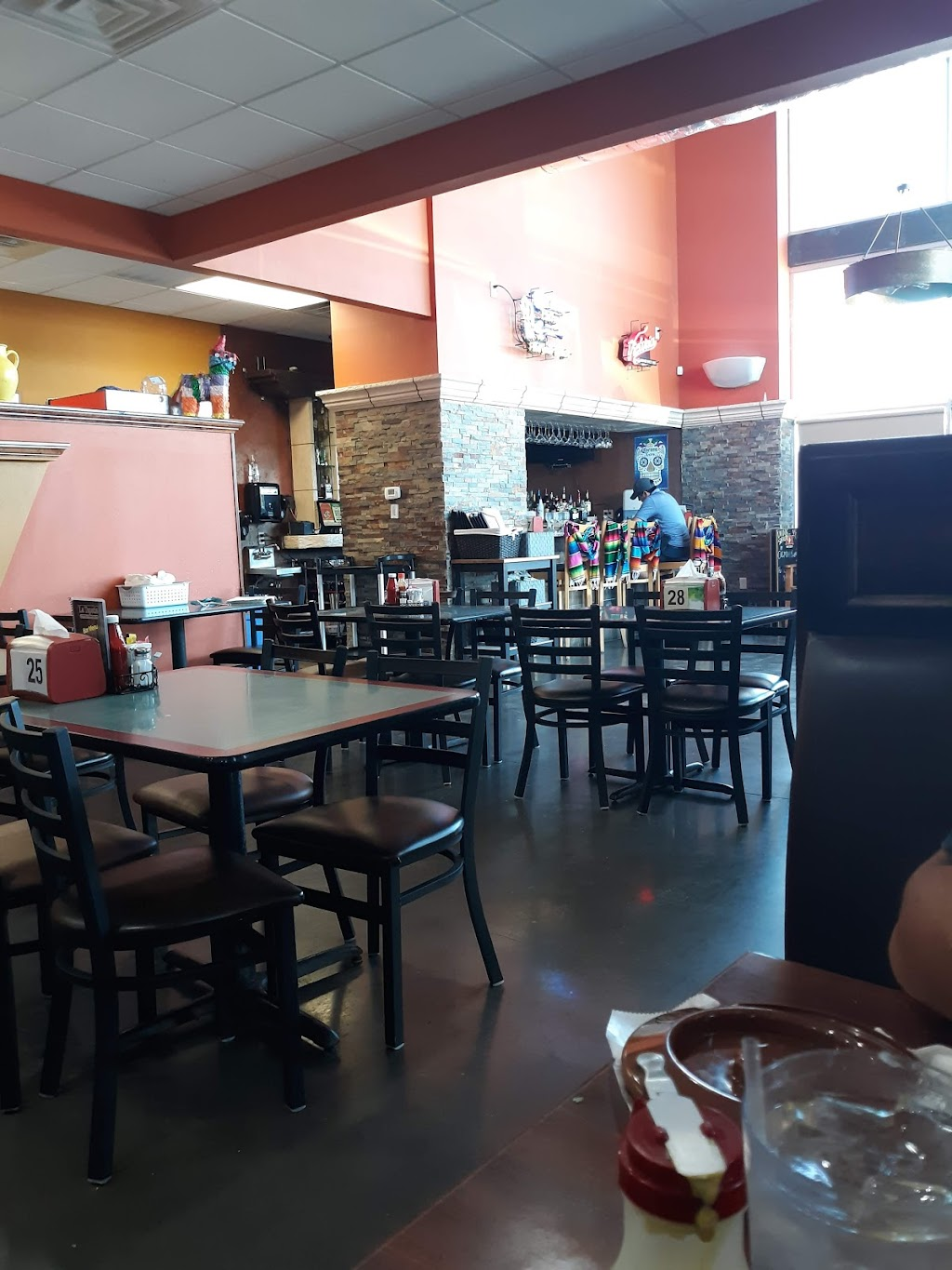 La Tapatia Mexican Restaurant and Bar - restaurant  | Photo 4 of 10 | Address: 651 N, US-183 Suite 310, Leander, TX 78641, USA | Phone: (512) 259-5019