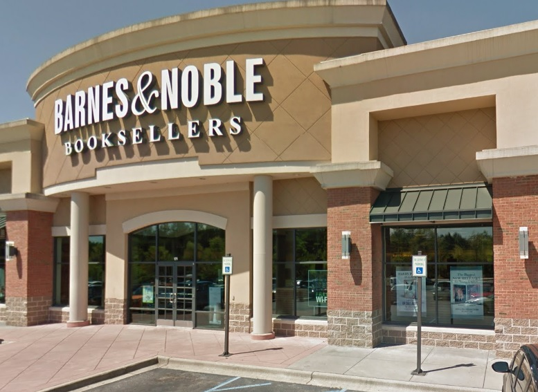 Barnes & Noble - book store    Photo 1 of 10   Address: Patton Creek Shopping Center, 171 Main St, Hoover, AL 35244, USA   Phone: (205) 682-4467
