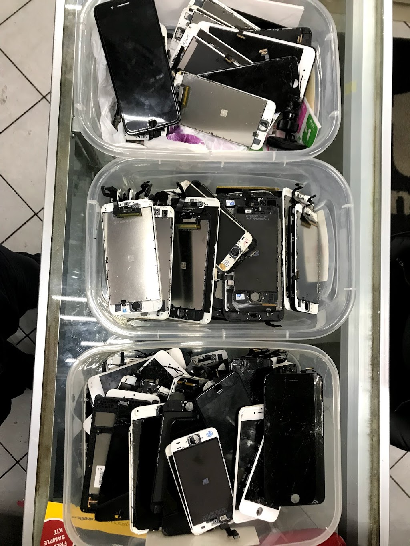 phone Repair - electronics store    Photo 3 of 10   Address: 66-42 Fresh Pond Rd, Flushing, NY 11385, USA   Phone: (347) 221-8641
