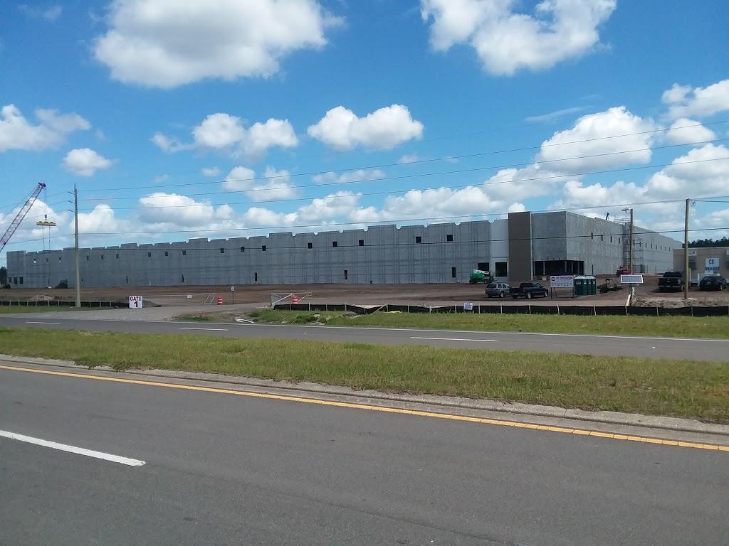 Amazon Fulfilment Center - storage  | Photo 4 of 10 | Address: 32210, 13333 103rd St, Jacksonville, FL 32221, USA | Phone: (855) 440-7663