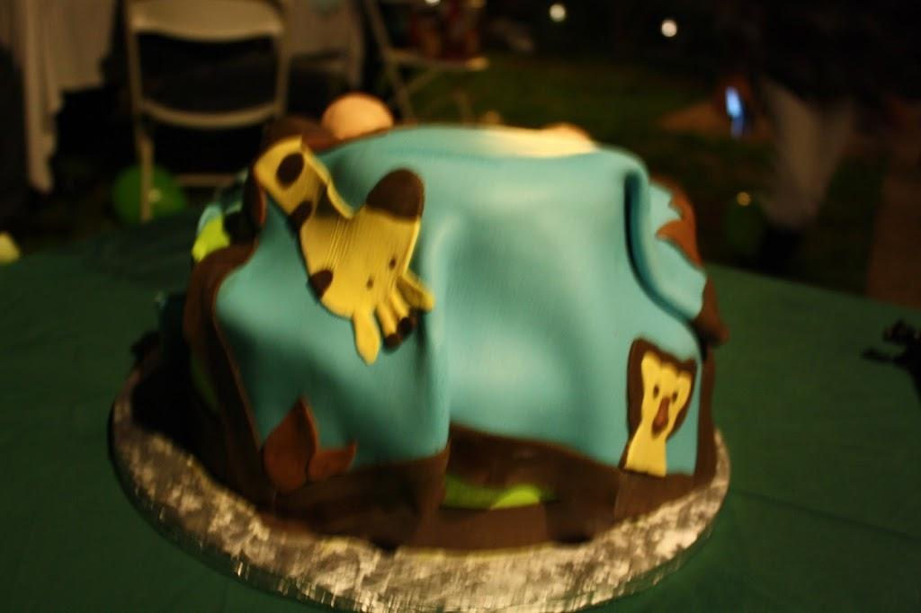 Las Tres Princesas Bakery - bakery  | Photo 6 of 7 | Address: 2736 N Bristol St, Santa Ana, CA 92706, USA | Phone: (714) 542-2131