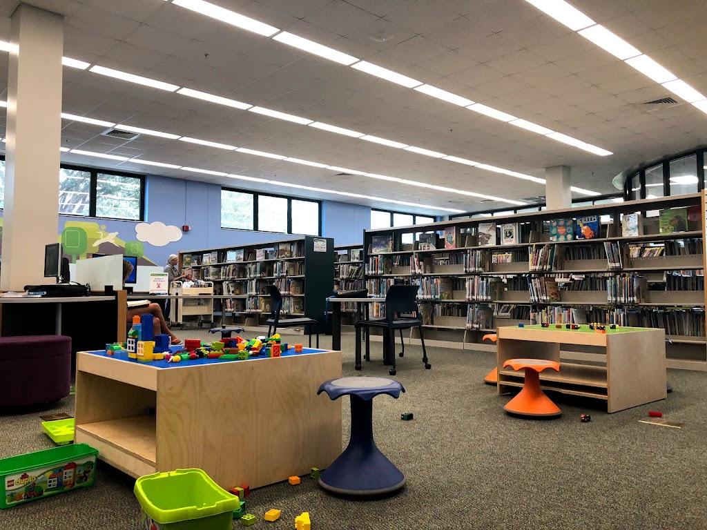 New Tampa Regional Library - library    Photo 2 of 10   Address: 10001 Cross Creek Blvd, Tampa, FL 33647, USA   Phone: (813) 273-3652