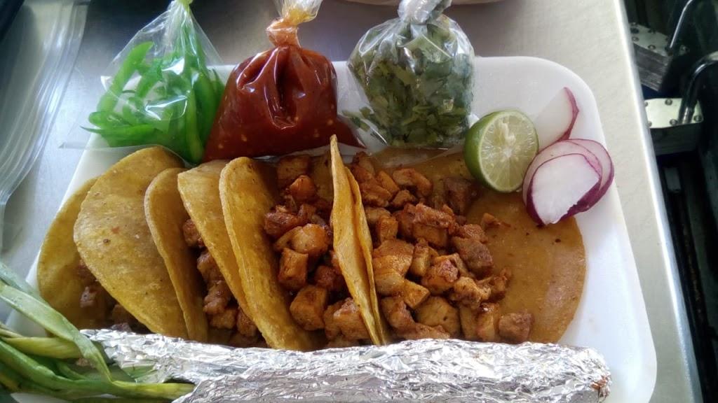 Tacos De Pastor Y Buche - restaurant  | Photo 1 of 2 | Address: México 2 988, 32720 Cd Juárez, Chih., Mexico | Phone: 656 373 4814